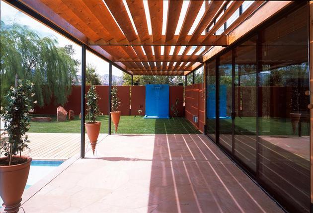 desert-dwelling-copper-clad-barrel-roof-11-shower.jpg