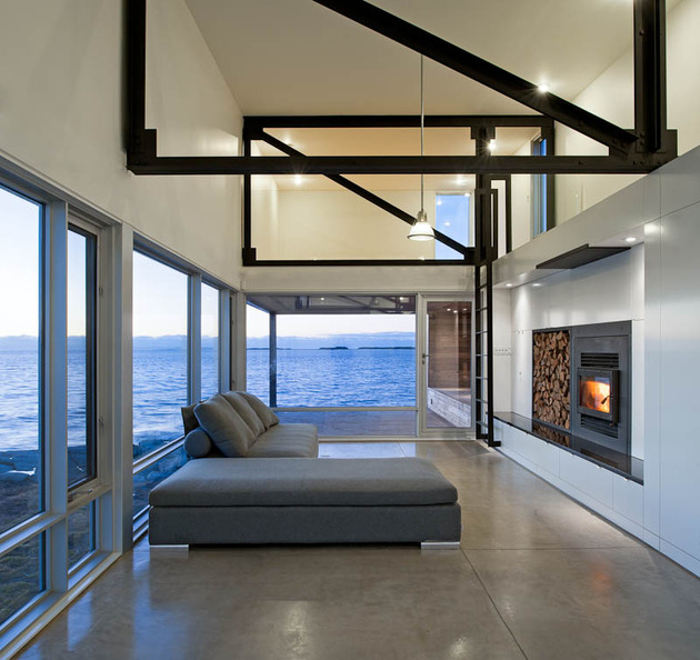 elongated-waterfront-house-with-amazing-sea-views-5.jpg