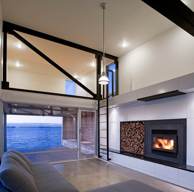 elongated-waterfront-house-with-amazing-sea-views-6.jpg
