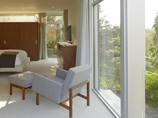 energy-star-residence-flanked-pool-pond-6-bedroom.jpg