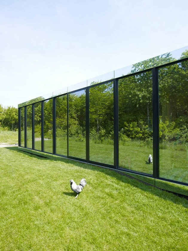 experimental mirror house with linear layout and minimalist aesthetic 2 thumb autox839 31663 Experimental Mirror House in The Netherlands