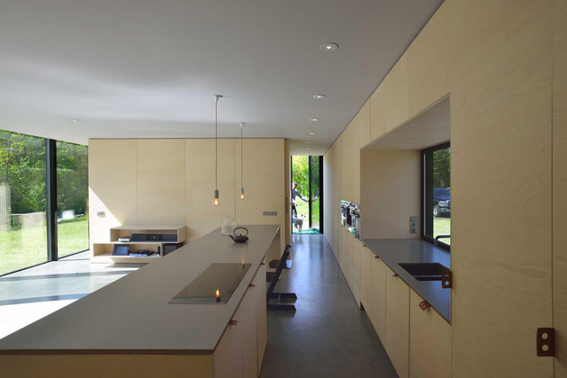 experimental-mirror-house-with-linear-layout-and-minimalist-aesthetic-5.jpg