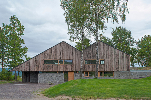 fjord house with m shaped roof and rustic style 1 thumb 630xauto 32522 M Shaped Roof Fjord House Clad in Weathered Wood
