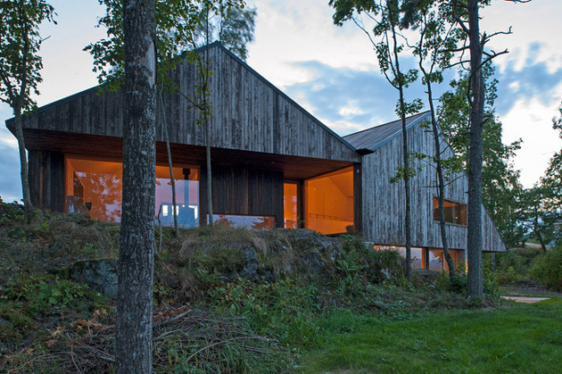 fjord-house-with-m-shaped-roof-and-rustic-style-16.jpg