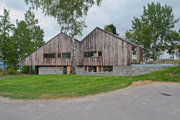 fjord house with m shaped roof and rustic style 2 thumb 630xauto 32524 M Shaped Roof Fjord House Clad in Weathered Wood