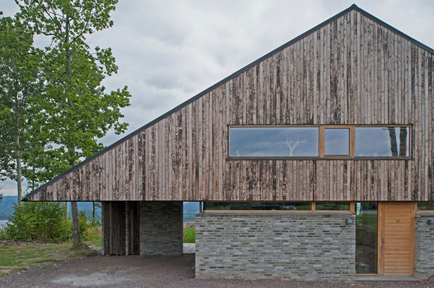 fjord-house-with-m-shaped-roof-and-rustic-style-3.jpg