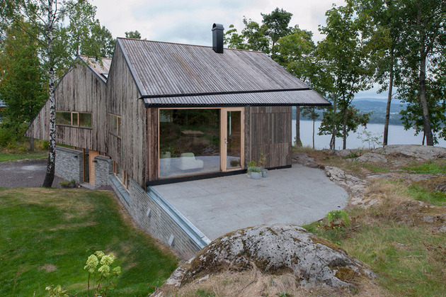 fjord-house-with-m-shaped-roof-and-rustic-style-4.jpg
