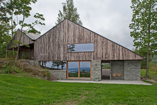 fjord-house-with-m-shaped-roof-and-rustic-style-6.jpg