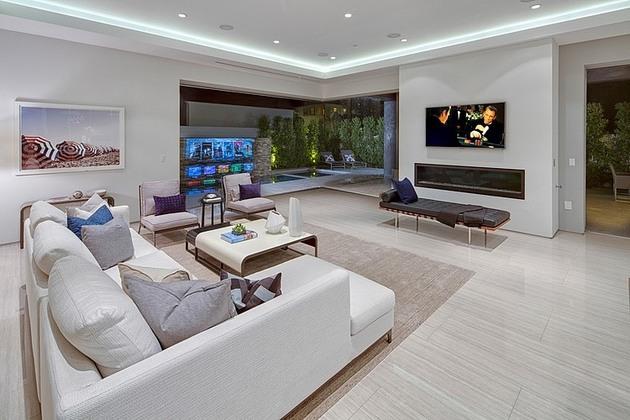 fleetwood-multi-slide-doors-and-ceramic-floors-define-beautiful-house-4.jpg