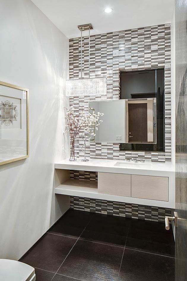 fleetwood-multi-slide-doors-and-ceramic-floors-define-beautiful-house-8.jpg