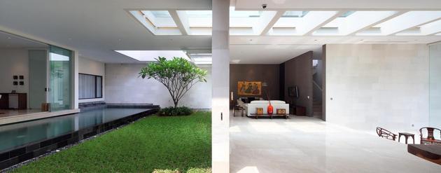indonesian-zen-house-with-detailed-garden-filled-interior-15-indoor-grass.jpg