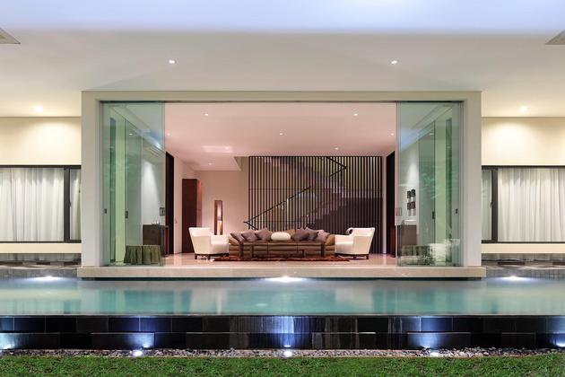 indonesian-zen-house-with-detailed-garden-filled-interior-16-main-living-room.jpg