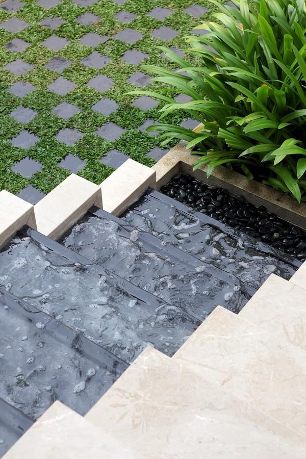 indonesian-zen-house-with-detailed-garden-filled-interior-33-waterfall.jpg