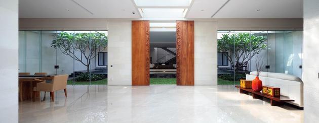 indonesian-zen-house-with-detailed-garden-filled-interior-8-living-area.jpg