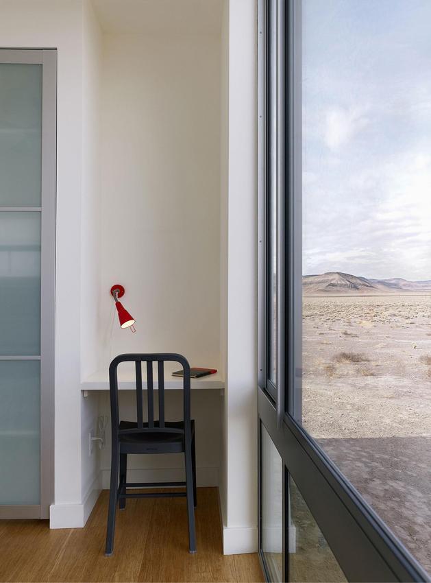 isolated-desert-getaway-house-with-retractable-deck-cover-10-bedroom-desk.jpg