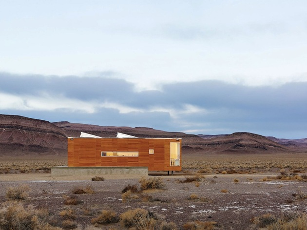 isolated desert getaway house with retractable deck cover 2 thin window side thumb 630xauto 31753 Prefab Desert Getaway House With Retractable Covered Deck