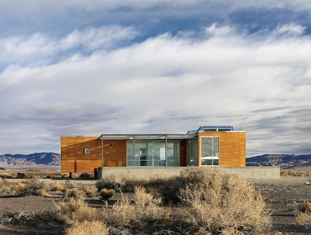 isolated-desert-getaway-house-with-retractable-deck-cover-3-deck-side.jpg