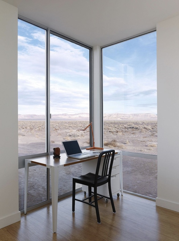 isolated-desert-getaway-house-with-retractable-deck-cover-9-study.jpg