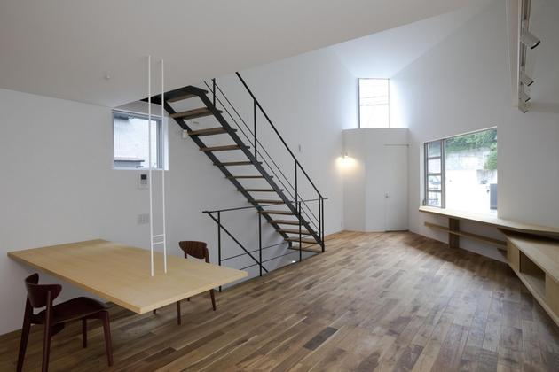 japanese-oh-house-wows-with-narrow-footprint-open-interiors-11.jpg
