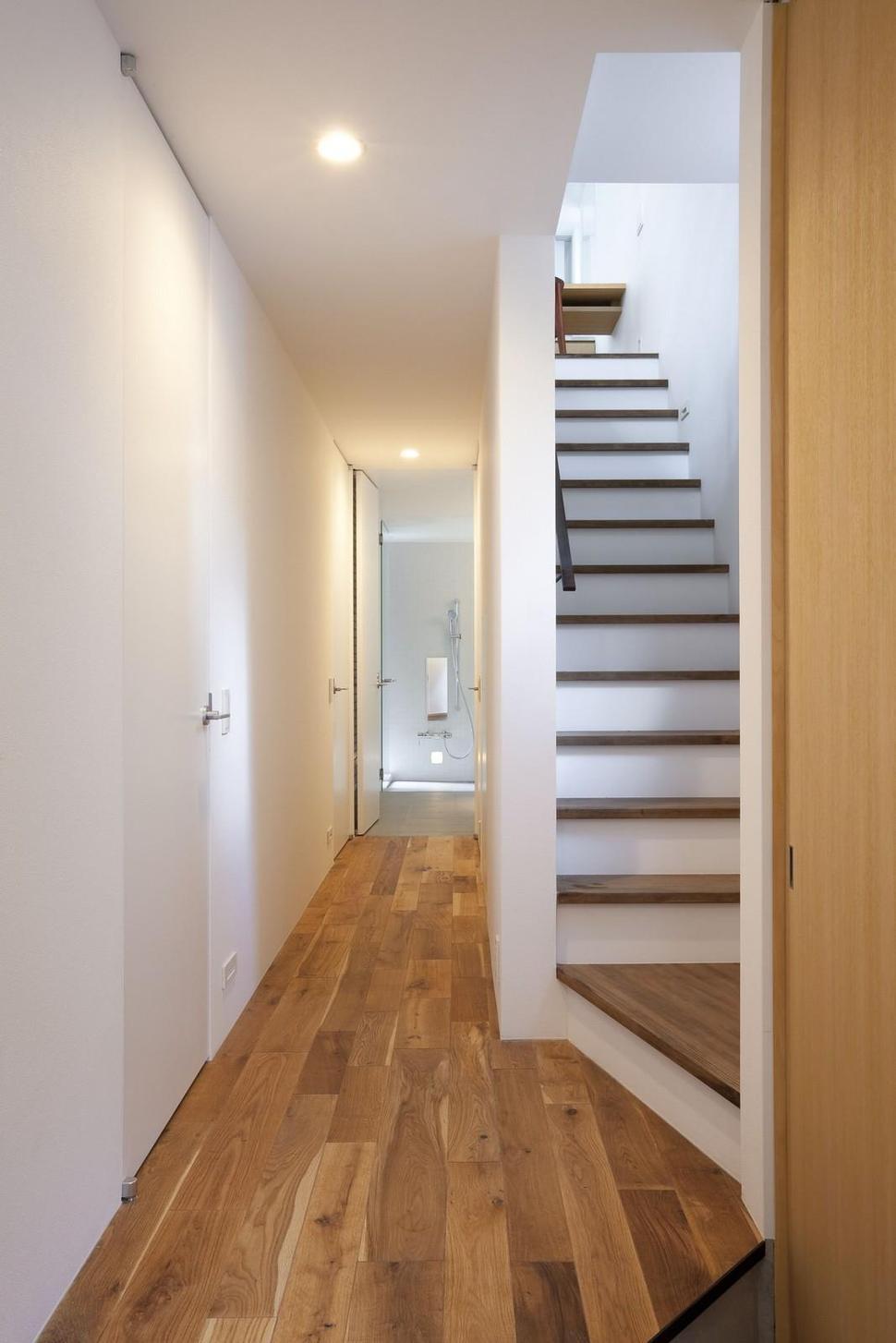 attic access ideas - Extremely Narrow House