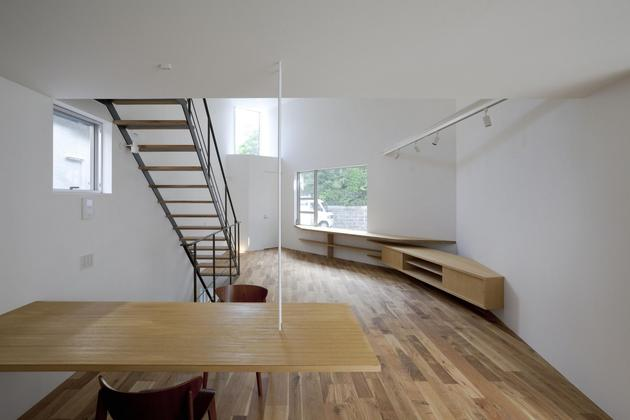 japanese-oh-house-wows-with-narrow-footprint-open-interiors-9.jpg