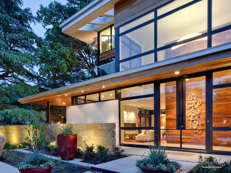 Leed gold certified house with bohemian style for Leed home certification