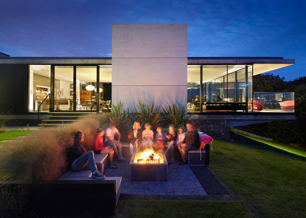 local-sandstone-walls-tie-home-landscape-7-firepit.jpg