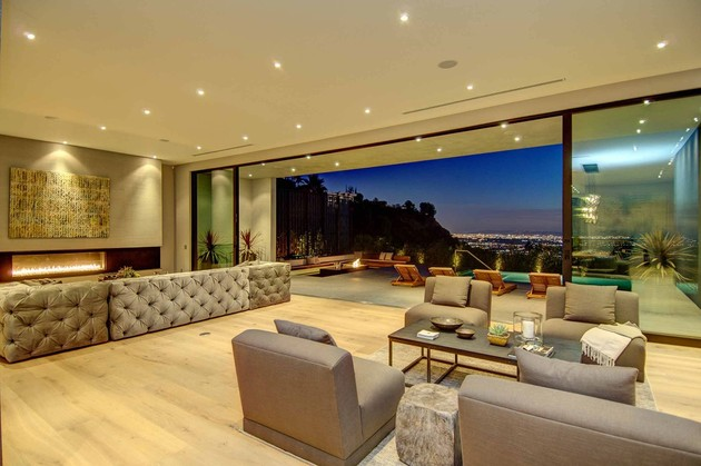 luxurious la home with glass walls and courtyard views 1 thumb 630x419 30796 Aesthetically Pleasing Lifestyle Home Design