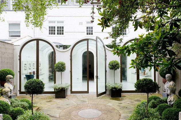 luxury mews house with classical courtyard and vaulted conservatory thumb 630x420 31247 Luxury Mews House with Vaulted Conservatory