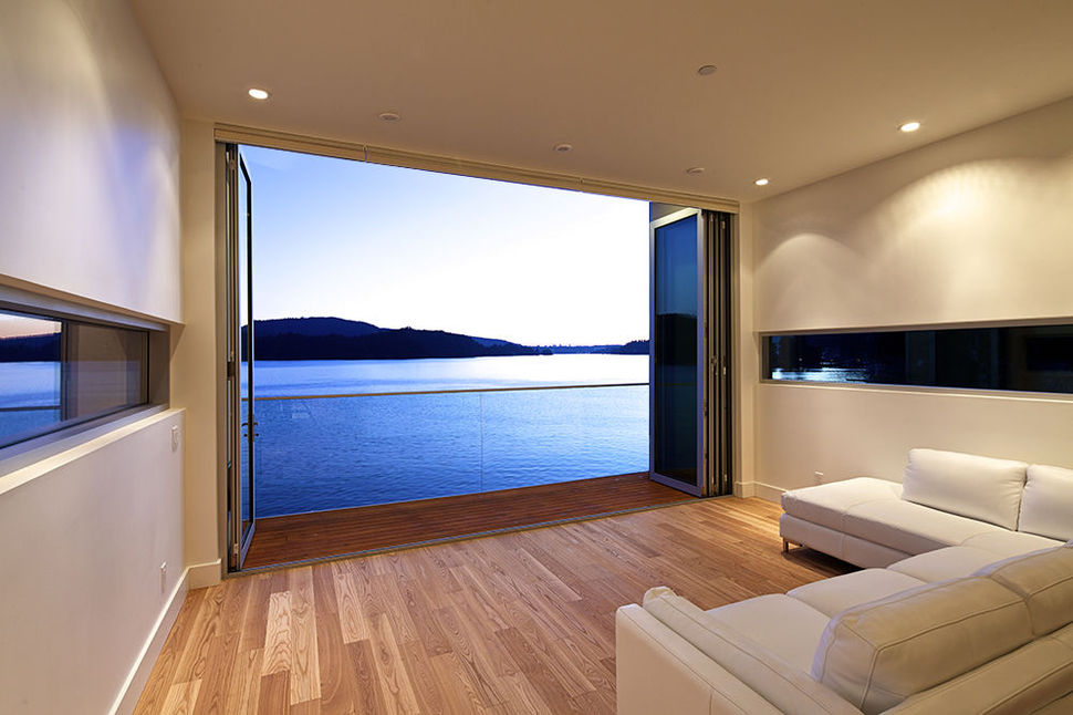 Modern Cliff Dwelling with Dock Hugs