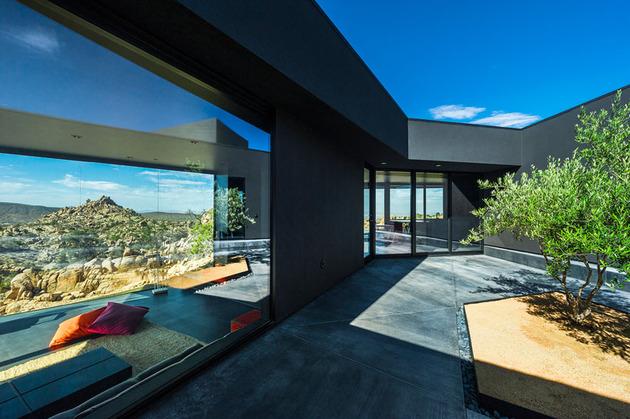 modern desert home courtyard pool views 1 courtyard thumb 630xauto 33498 Modern Desert Home with Courtyard   Pool and Views