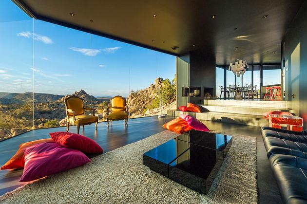 modern-desert-home-courtyard-pool-views-11-living.jpg