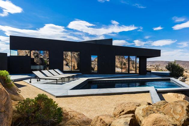 modern-desert-home-courtyard-pool-views-16-pool.jpg