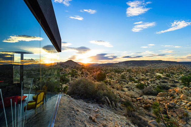 modern-desert-home-courtyard-pool-views-22-sunrise.jpg