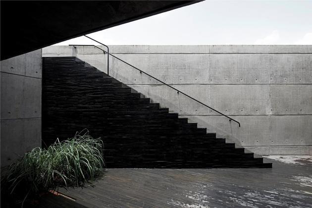 monsoon-proof-concrete-pavilion-house-14.jpg