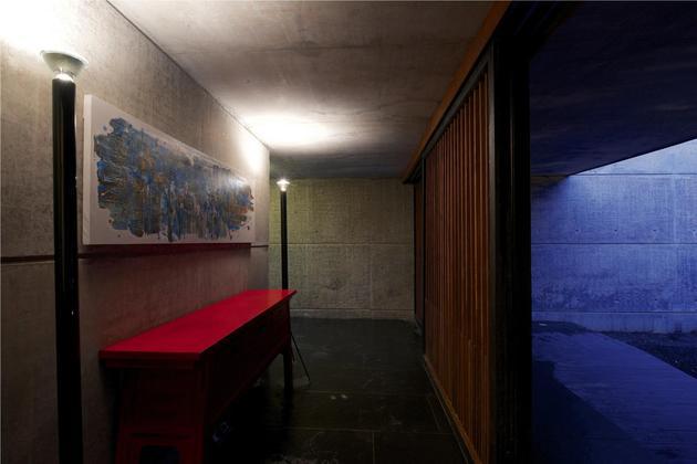 monsoon-proof-concrete-pavilion-house-20.jpg