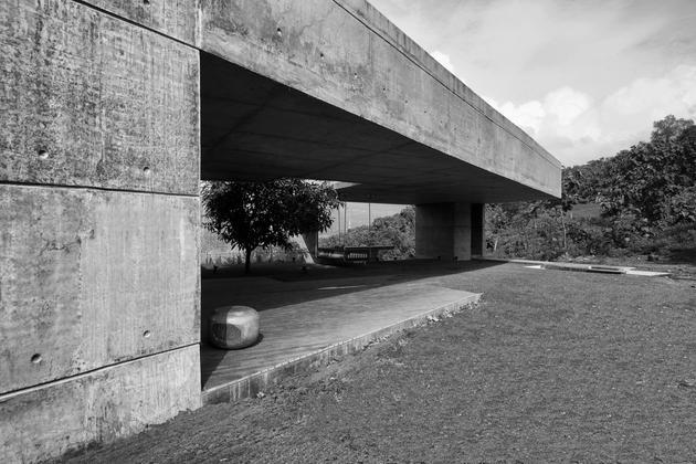 monsoon-proof-concrete-pavilion-house-5.jpg