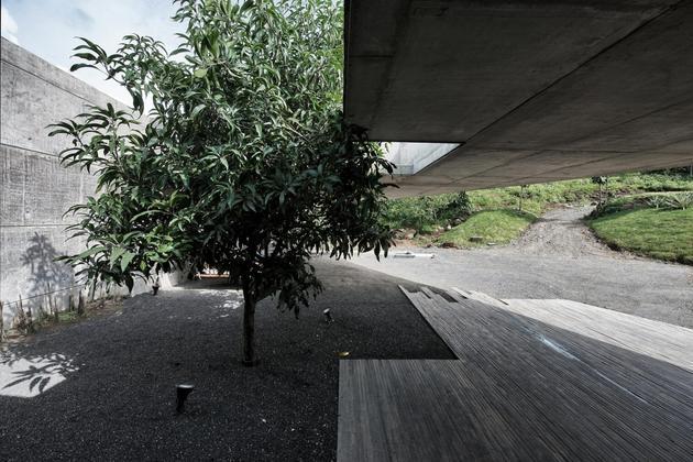 monsoon-proof-concrete-pavilion-house-6.jpg
