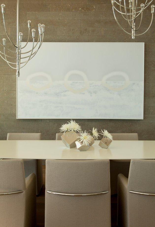 ocean-home-detached-guest-house-7-dining-art.jpg