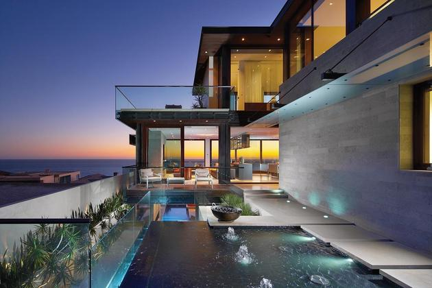 overlapping pools ocean view define coastal home 1 pools view thumb 630x420 31581 Overlapping Pools & Ocean View define Coastal Home
