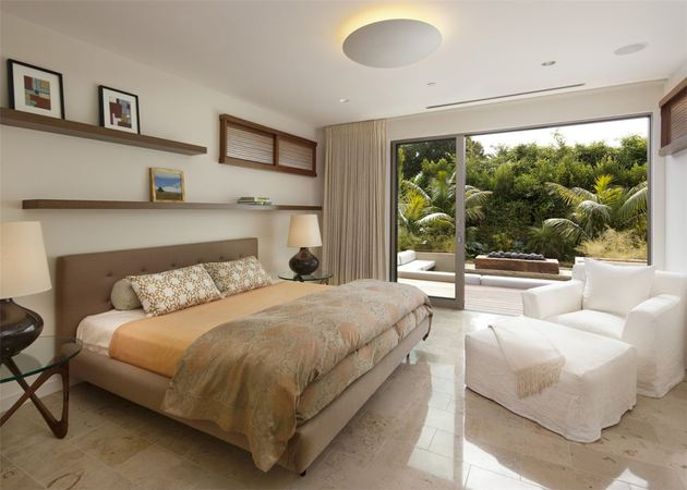 platinum-level-leed-house-roof-gardens-pool-21-master-suite.jpg