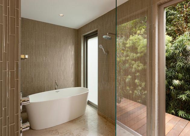 platinum-level-leed-house-roof-gardens-pool-23-ensuite.jpg