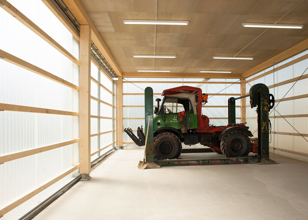 private-residence-above-translucent-shop-small-site-10-garage.jpg
