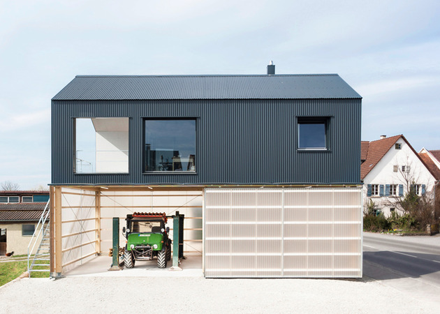 private-residence-above-translucent-shop-small-site-11-garage.jpg