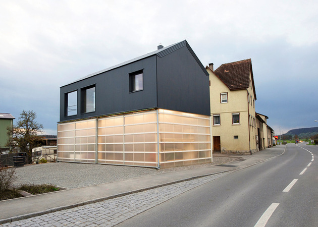 private-residence-above-translucent-shop-small-site-3-street.jpg