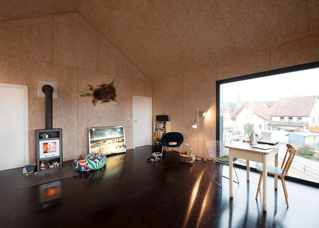 private-residence-above-translucent-shop-small-site-7-interior.jpg