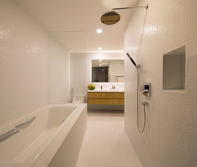 simple-sophisticated-contemporary-home-design-12-bath.jpg