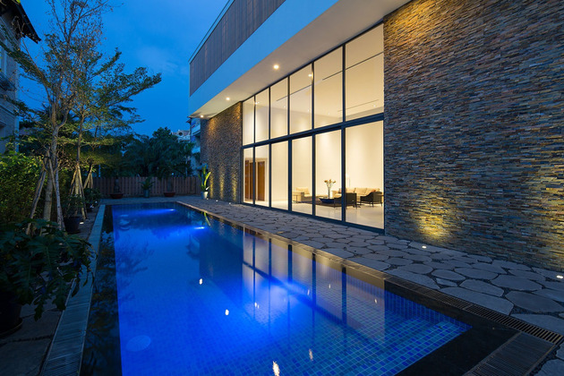 simple-sophisticated-contemporary-home-design-16- pool.jpg