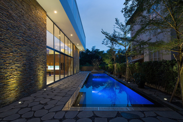 simple-sophisticated-contemporary-home-design-18-landscaping.jpg