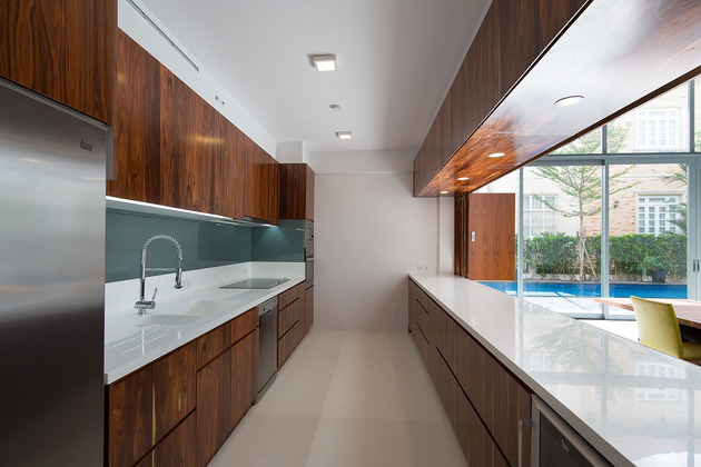 simple-sophisticated-contemporary-home-design-5-kitchen.jpg